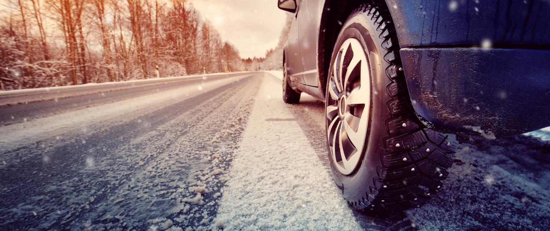 Fahrtraining im Schnee zum Führerschein in Wagen - Driving Point