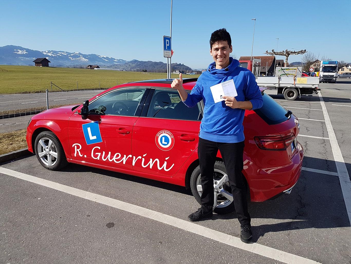 Motorradführerschein, Verkehrskunde & Theorieprüfung in Wagen - Fahrschule Driving Point