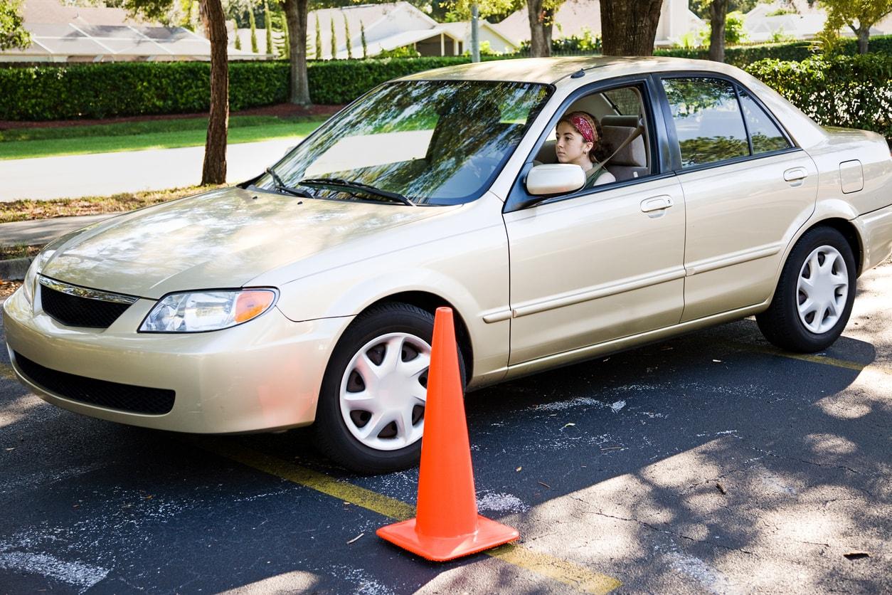 Verkehrskunde / VKU in Wagen & Jona mit der Fahrschule Driving Point