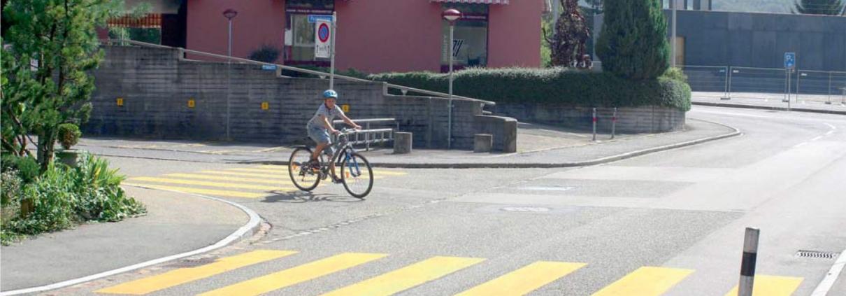 Verkehrskunde bei der Fahrschule Driving Point in Jona - Strassenverkehr